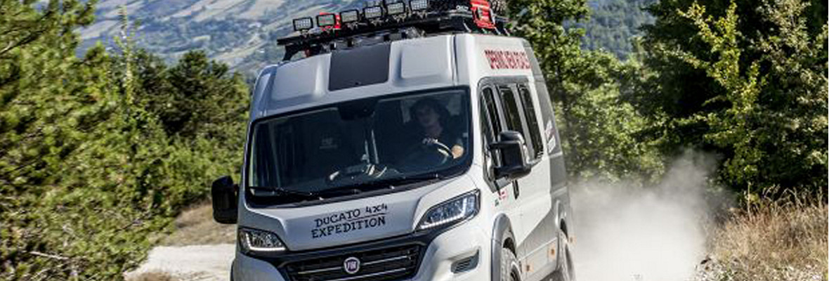 DUCATO 4X4 Expedition 2015 წლის DÜSSELDORF-ის CARAVAN SALON
